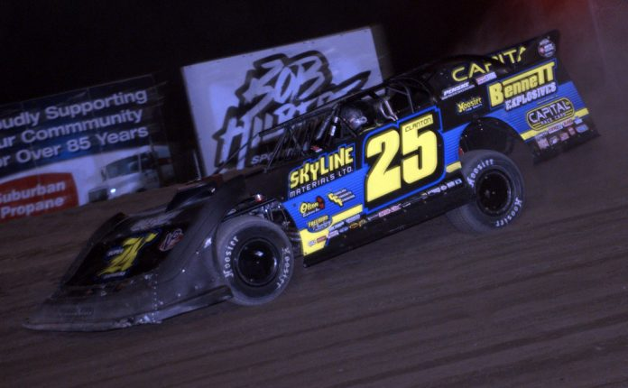 Shane Clanton en route to victory at Outlaw Speedway. (Dave Dalesandro photo)