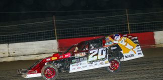 Ricky Thornton Jr. en route to victory Thursday night at Batesville Motor Speedway. (Mike Spieker photo)