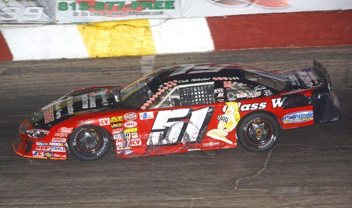 Dale Nottestad en route to victory at Rockford Speedway. (Stan Kalwasinski photo)