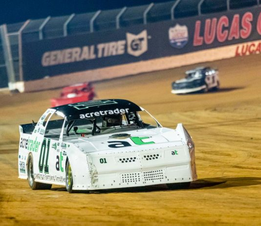 Peyton Taylor en route to victory at Lucas Oil Speedway. (Kenny Shaw photo)