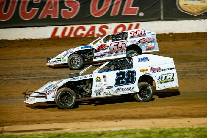 Kris Jackson (65) and Andy Bryant (28) were set to start on the front row of last year's Inaugural B-Mod Clash of Champions. They'll be two to keep an eye on at this weekend's B-Mod Clash of Champions II at Lucas Oil Speedway. (Kenny Shaw photo)