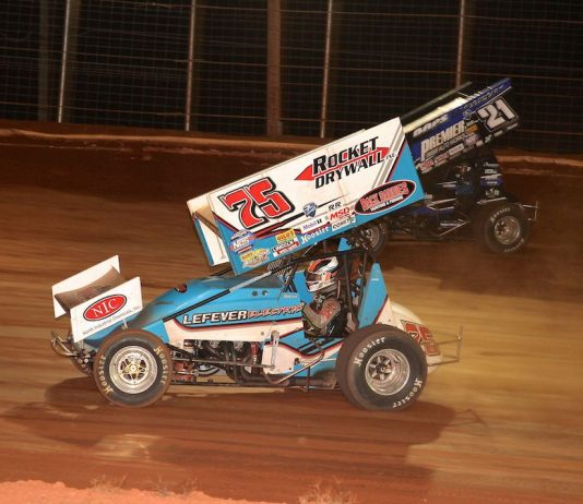 Chase Dietz (75) races under Brian Montieth at BAPS Motor Speedway. (Dan Demarco photo)