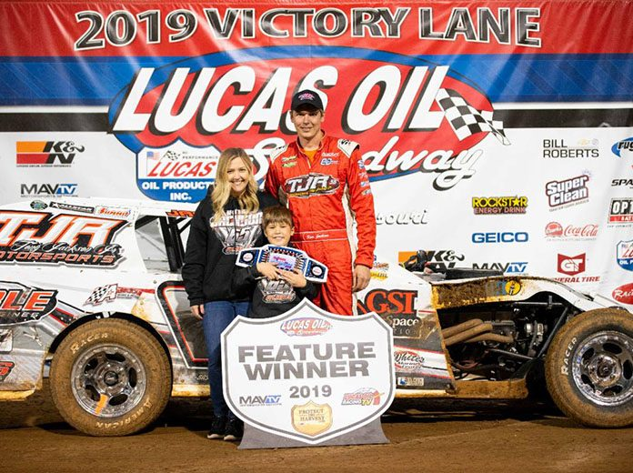 Kris Jackson took home the B-Mod Clash of Champions II title Sunday night at Lucas Oil Speedway. (Kenny Shaw photo)