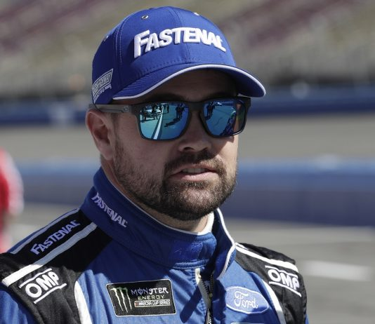 Stenhouse Joins JTG