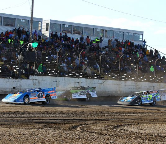 Dirt late models in action at LaSalle (Ill.) Speedway. (Mike Ruefer photo)