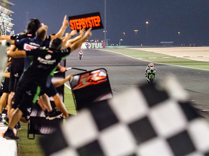 Jonathan Rea races towards the checkered flag on Friday at Losail Int'l Circuit. (WorldSBK Photo)