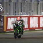Jonathan Rea takes the checkered flag to win Saturday's World Superbike finale in Qatar. (WorldSBK Photo)