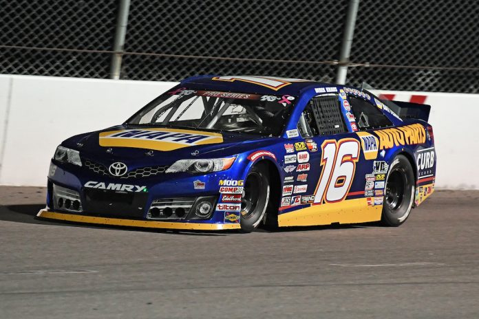 Derek Kraus at Kern County Raceway Park. (Steve Himelstein photo)