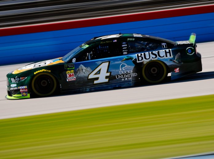 Harvick Continues Playoff Push