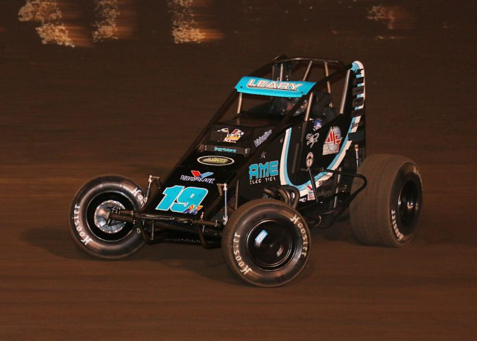 C.J. Leary en route to winning the Oval Nationals at Perris Auto Speedway. (Doug Allen photo)