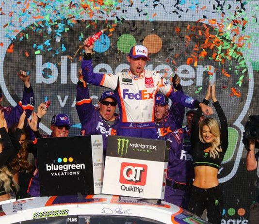 Denny Hamlin celebrates his victory on Sunday at ISM Raceway. (Ivan Veldhuizen Photo)