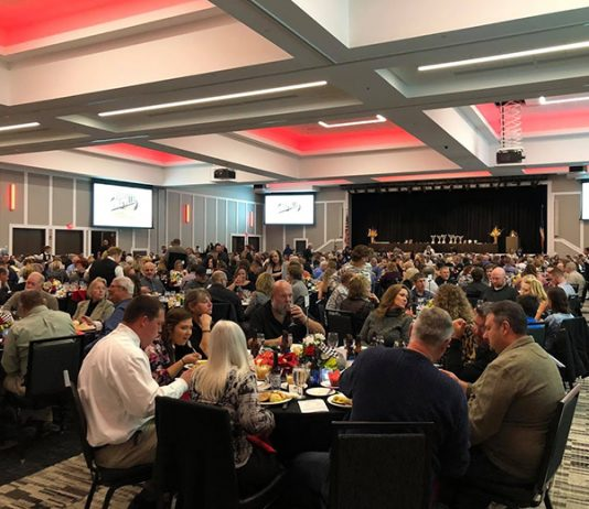More than 650 guests were on hand for the Knoxville Raceway banquet on Saturday night.