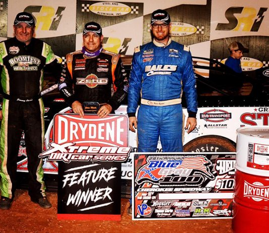 Chris Madden (center) bested Ross Bailes (right) and Jimmy Owens (left) to win the Blue Gray 100 on Sunday at Cherokee Speedway. (Chris Dolack Photo)
