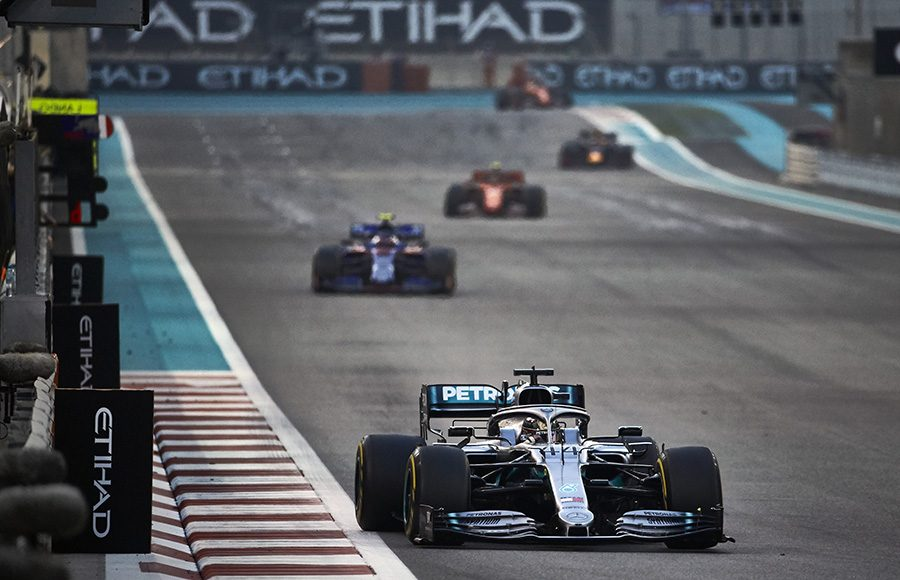 Lewis Hamilton (44) leads the field during Sunday's Abu Dhabi Grand Prix. (Steve Etherington Photo)