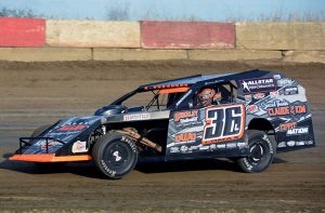 Jamie Lomax won DIRTcar modified track titles at both Illinois' Kankakee County Speedway and at Indiana's Shadyhill Speedway.  (Stan Kalwasinski Photo)