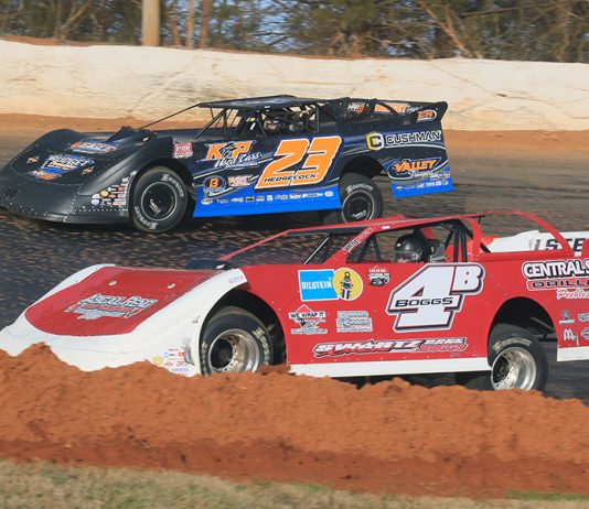 Jackie Boggs (4B) battles Cory Hedgecock during the Hangover super late model feature on Saturday at 411 Motor Speedway. (Chad Wells Photo)