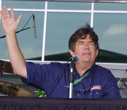 Bob Varsha (IndyCar photo)