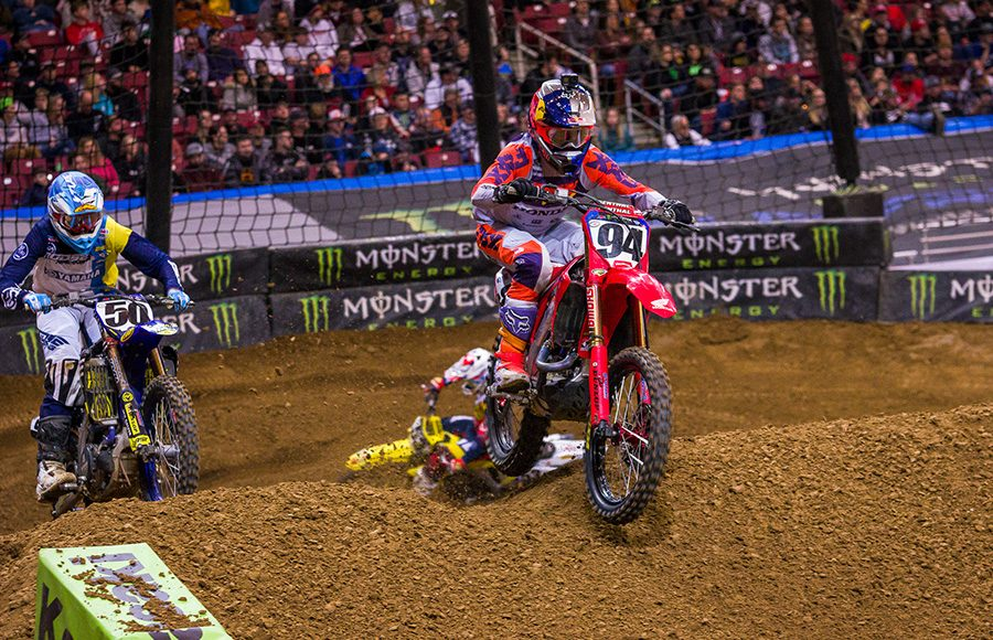 Ken Roczen on his way to victory during Saturday's Supercross feature in St. Louis, Mo. (Darren Rutmanis Photo)