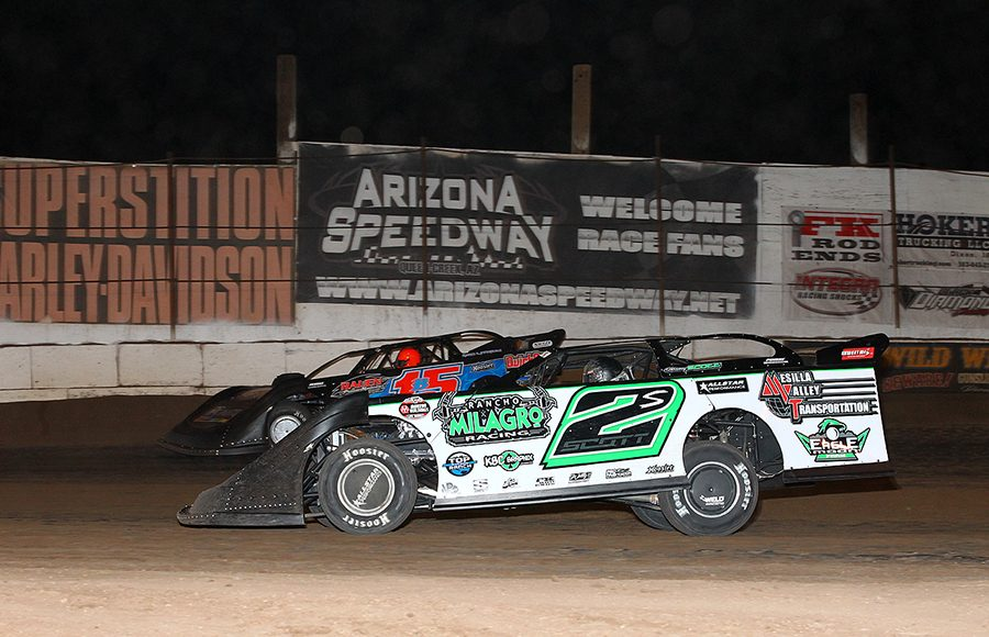 Stormy Scott (2s) battles Brian Birkhofer during Sunday's Wild West Shootout event at Arizona Speedway. (Mike Ruefer Photo)