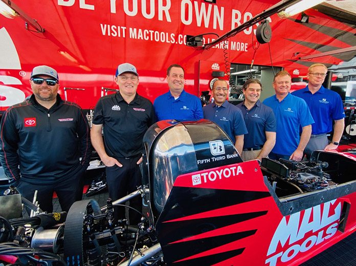 Fifth Third Bank has become a sponsor of Kalitta Motorsports.