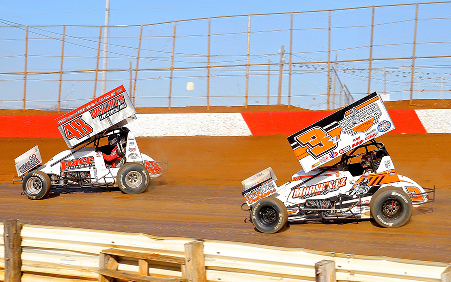 Danny Dietrich (48) leads Brock Zearfoss during Sunday's sprint car event at Lincoln Speedway. (Dan Demarco Photo)