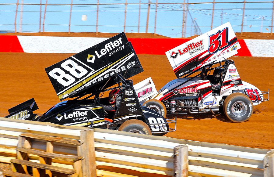 Brandon Rahmer (88) battles his brother Freddie Rahmer during Saturday's Lincoln Speedway 410 sprint car feature. (Dan Demarco Photo)