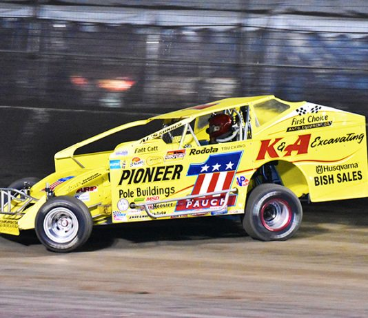 Billy Pauch made a name for himself racing big-block modifieds, but also found success racing sprint cars. (Joe Grabianowski Photo)