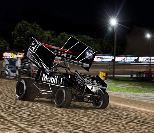 Christopher Bell won Sunday's World of Outlaws NOS Energy Drink Sprint Car iRacing Invitational event at virtual Volusia Speedway Park. (JZi Racing Photography)