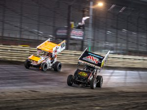 David Gravel (41) battles to the inside of Ian Madsen Friday at Knoxville Raceway. (Trent Gower Photo)
