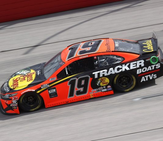 NASCAR NOTES: Truex Rallies