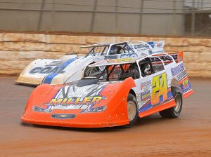 Dylan Yoder (24) battles Andy Haas in late model action at Port Royal Speedway. (Dan Demarco Photo)