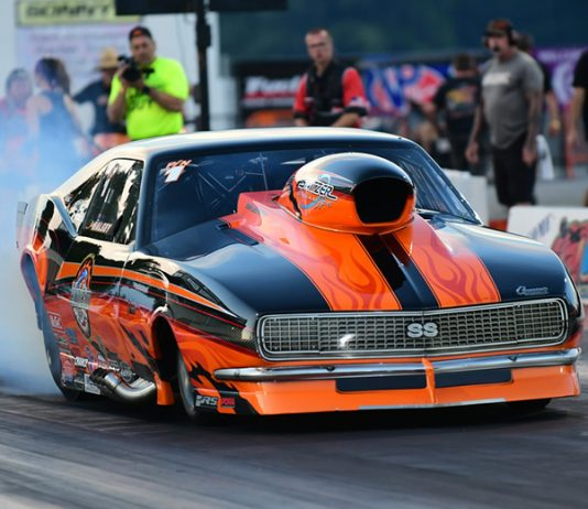 Pro Nitrous competitor Jim Halsey was among the first round winners during the PDRA East Coast Nationals on Saturday night. (Roger Richards Photo)