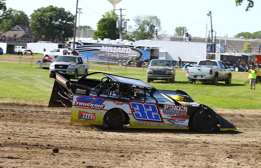 Chris Simpson in action Sunday at West Liberty Raceway. (Mike Ruefer Photo)