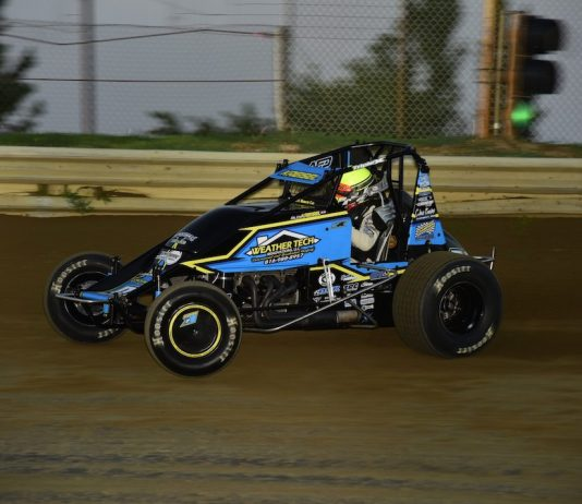 Riley Kreisel en route to victory at Charleston Speedway. (Mark Funderburk photo)