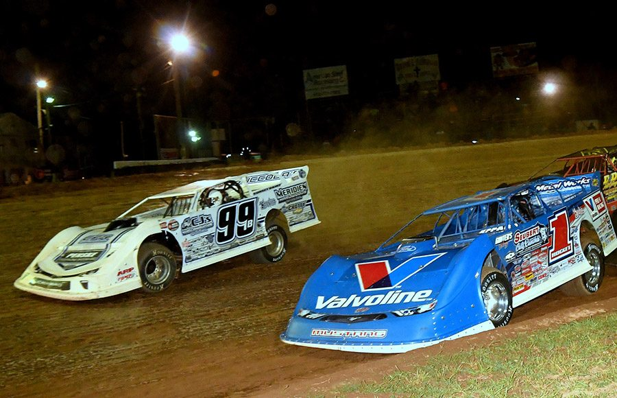Brandon Sheppard (1) battles Boom Briggs during Friday's Firecracker 100 preliminary event at Lernerville Speedway. (Hein Brothers Photo)