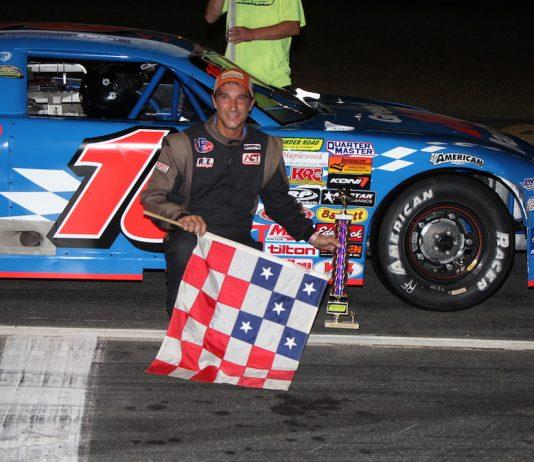 Scott Dragon in victory lane at Thunder Road Int'l Speedbowl. (Alan Ward photo)