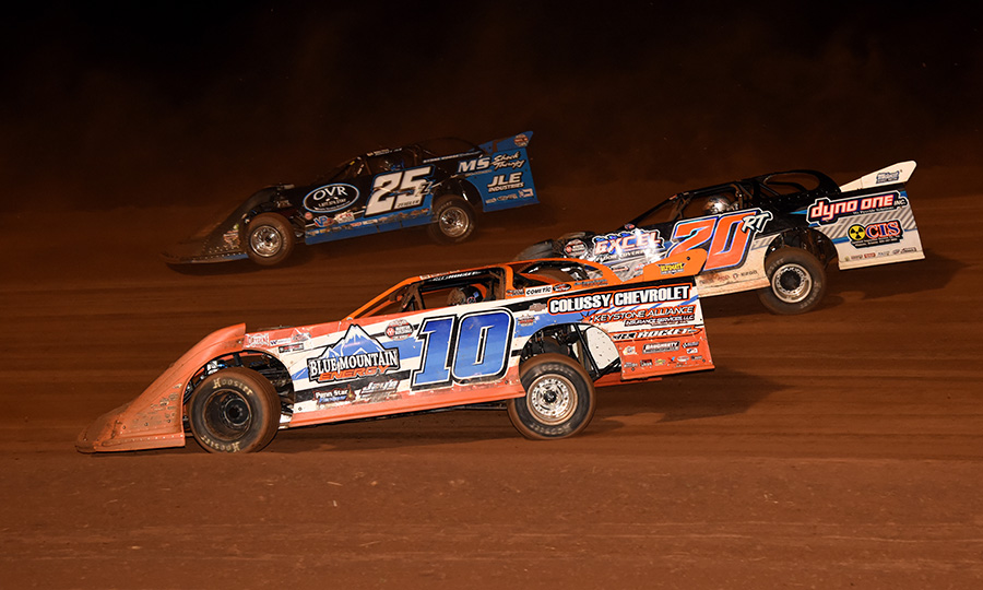 Jared Miley (10), Ricky Thornton Jr. (20RT) and Mason Zeigler during Saturday's Firecracker 100 finale at Lernerville Speedway. (Paul Arch Photo)