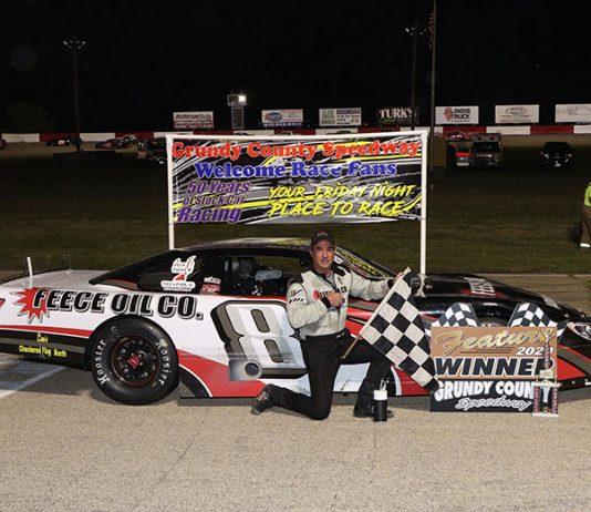 Eddie Hoffman was the winner of the 50-lap Carter Memorial at Illinois' Grundy County Speedway Saturday night. (Chris Goodaker Photo)