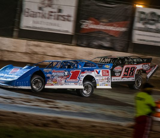 Brandon Sheppard (1) picked up another World of Outlaws Morton Buildings Late Model Series victory on Friday night. (Jacy Norgaard photo)