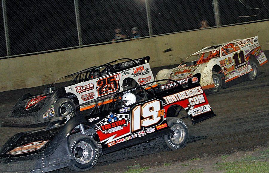 Ryan Gustin (19R), Allen Weisser (25w) and Gordy Gundaker during Friday's DIRTcar Summer Nationals event at Tri-City Speedway. (Jim Denhamer Photo)