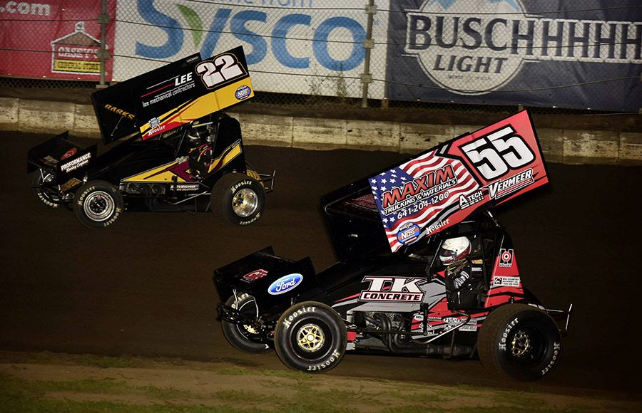 Dustin Barks (22) races ahead of Hunter Schuerenberg during Friday's Morrow Brothers Ford MOWA Sprint Car Series event at Jacksonville Speedway. (Mark Funderburk Photo)