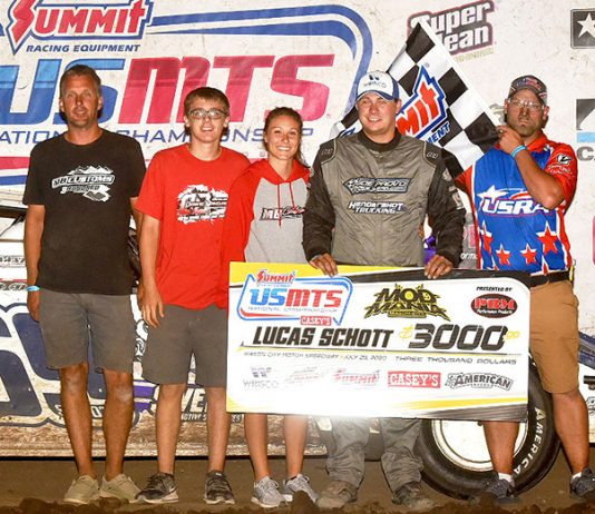 Lucas Schott won round two of the Summit USMTS National Championship Mod Mania event on Wednesday at Mason City Motor Speedway. (Buck Monson Photo)