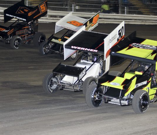 Rain pushed the 305 Sprint Car Nationals to Sunday. (Don Holbrook photo)