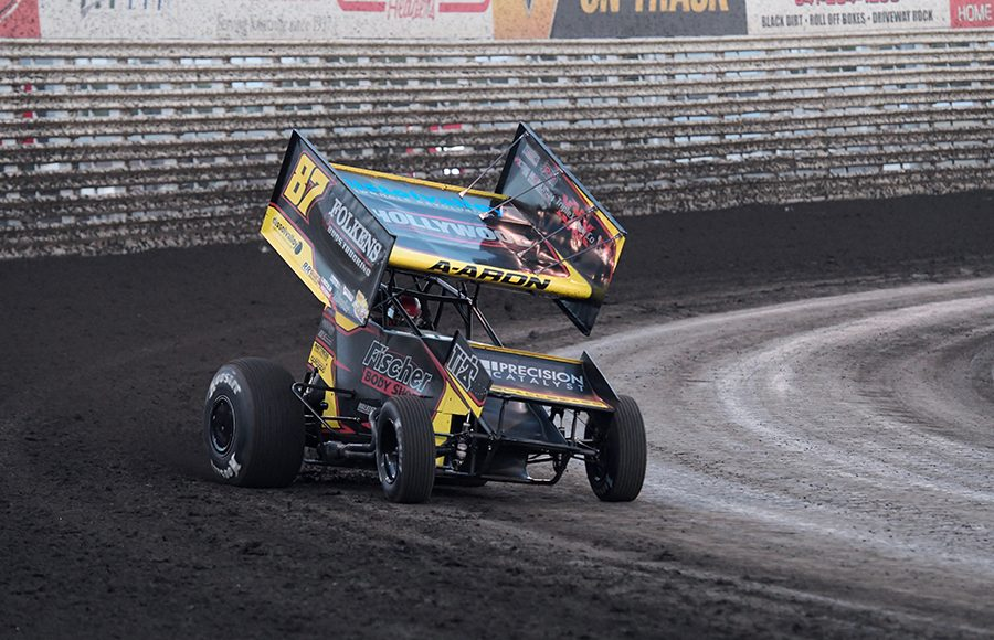 Aaron Reutzel in action Saturday at Knoxville Raceway. (Ken Berry Photo)