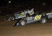 Brian Shirley (3s) battles Frank Heckenast Jr. at Fayette County Speedway. (Jim DenHamer photo)