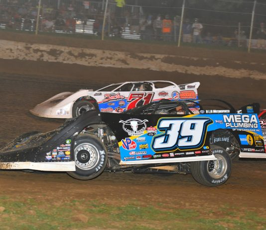 Tim McCreadie (39) drove from 20th starting spot to win Saturday's North-South 100 at Florence Speedway. (Michael Moats photo)