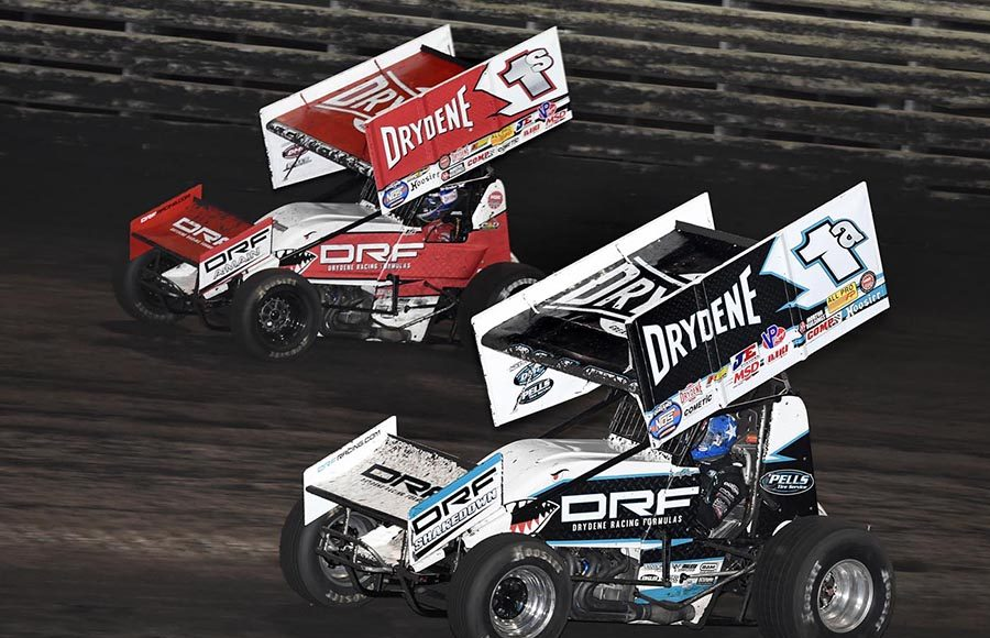 Jacob Allen (1a) battles Logan Schuchart during Friday's The One and Only event at Knoxville Raceway. (Frank Smith Photo)