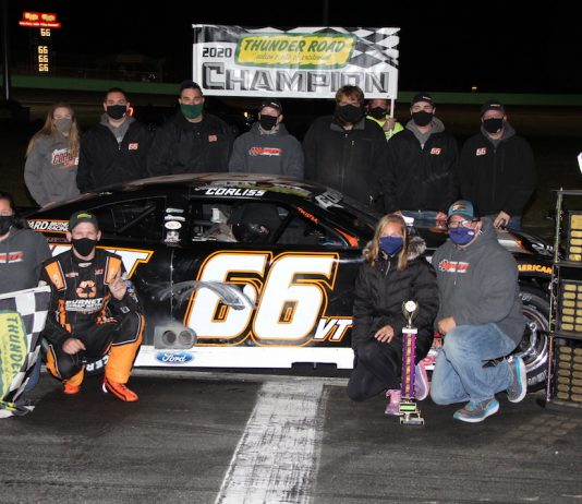 Jason Corliss and his crew in victory lane at Thunder Road. (Alan Ward photo)