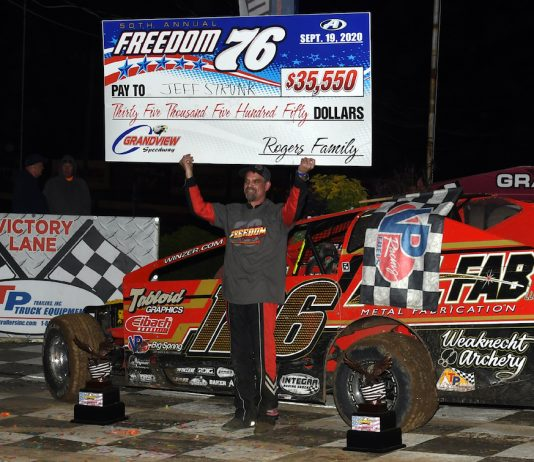 Jeff Strunk won his eighth Freedom 76 Saturday at Grandview Speedway. (Rich Kepner photo)