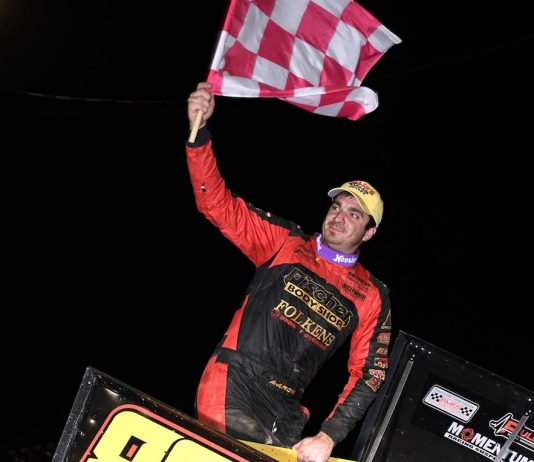 Aaron Reutzel in victory lane at Fremont Speedway. (Frank Smith photo)